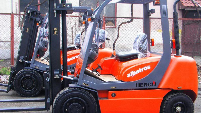 Electric Forklifts Versus Gas Forklifts